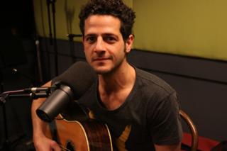Lior performs live on 702 ABC Sydney Breakfast